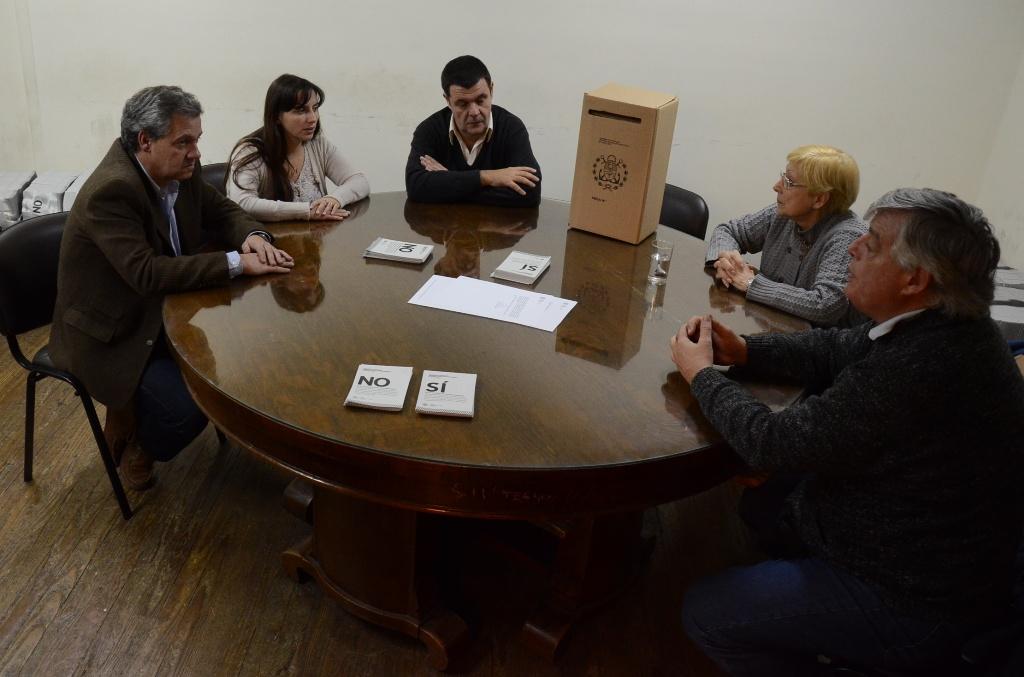 Fotos_MGP_-_Consulta_Popular_-_La_Junta_Elecetroal_entrego_las_boletas
