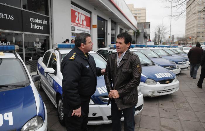 20130801-por-gestin-de-curuchet-se-entregaron-10-patrulleros-a-mar-del-plata