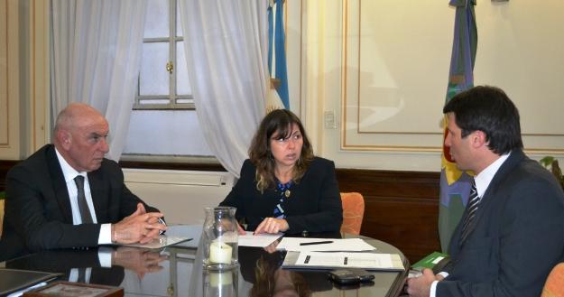 Fotos_MGP_-_Economia_-_Funcionarios_municipales_se_reunieron_con_la_Ministra_Silvina_Batakis