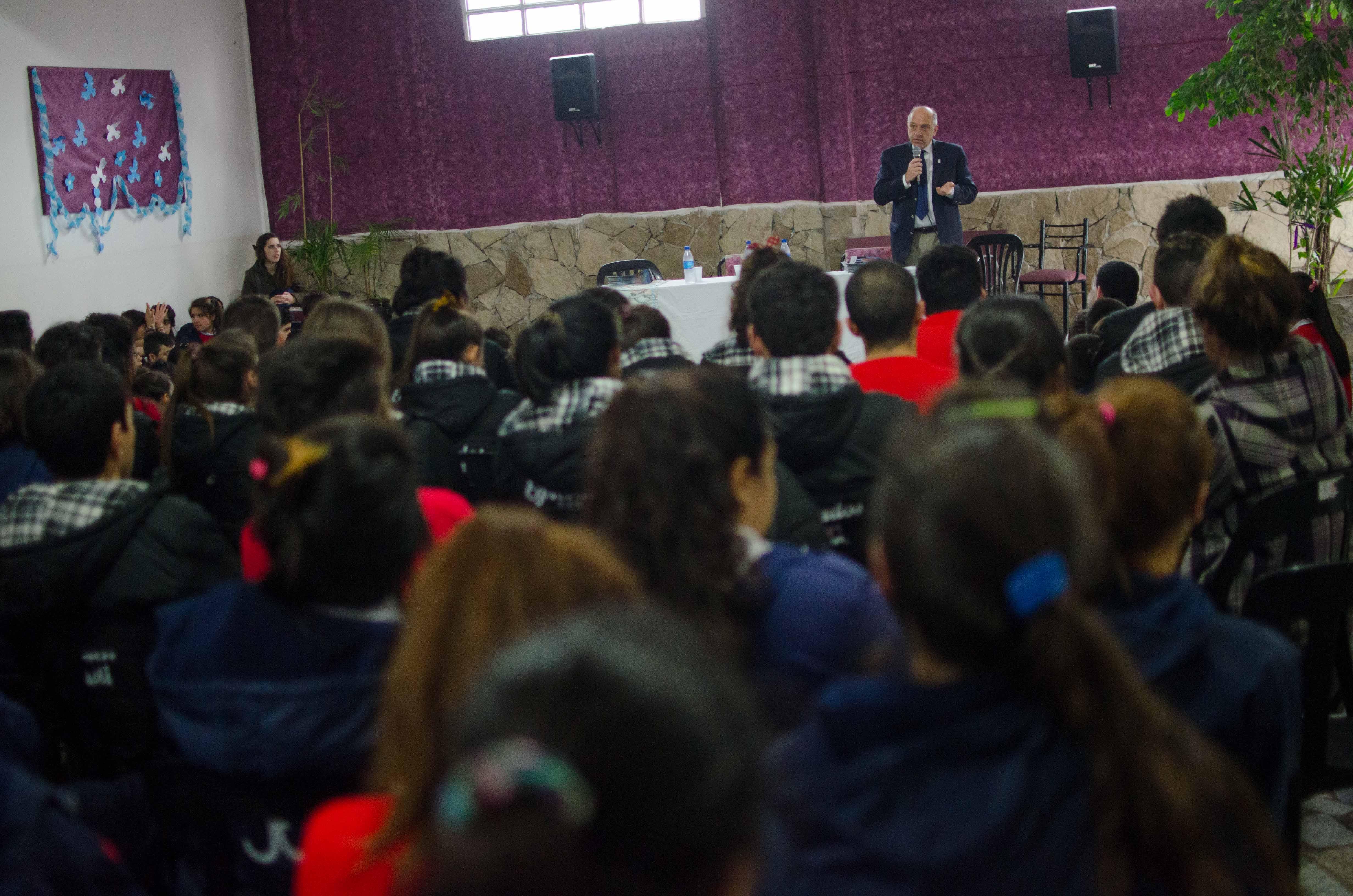PRENSA_AM_-_encuentrop_escuela_Huailen