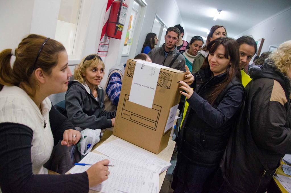 Prensa_AM_-_PASO_-_Voto_Debora_Marrero