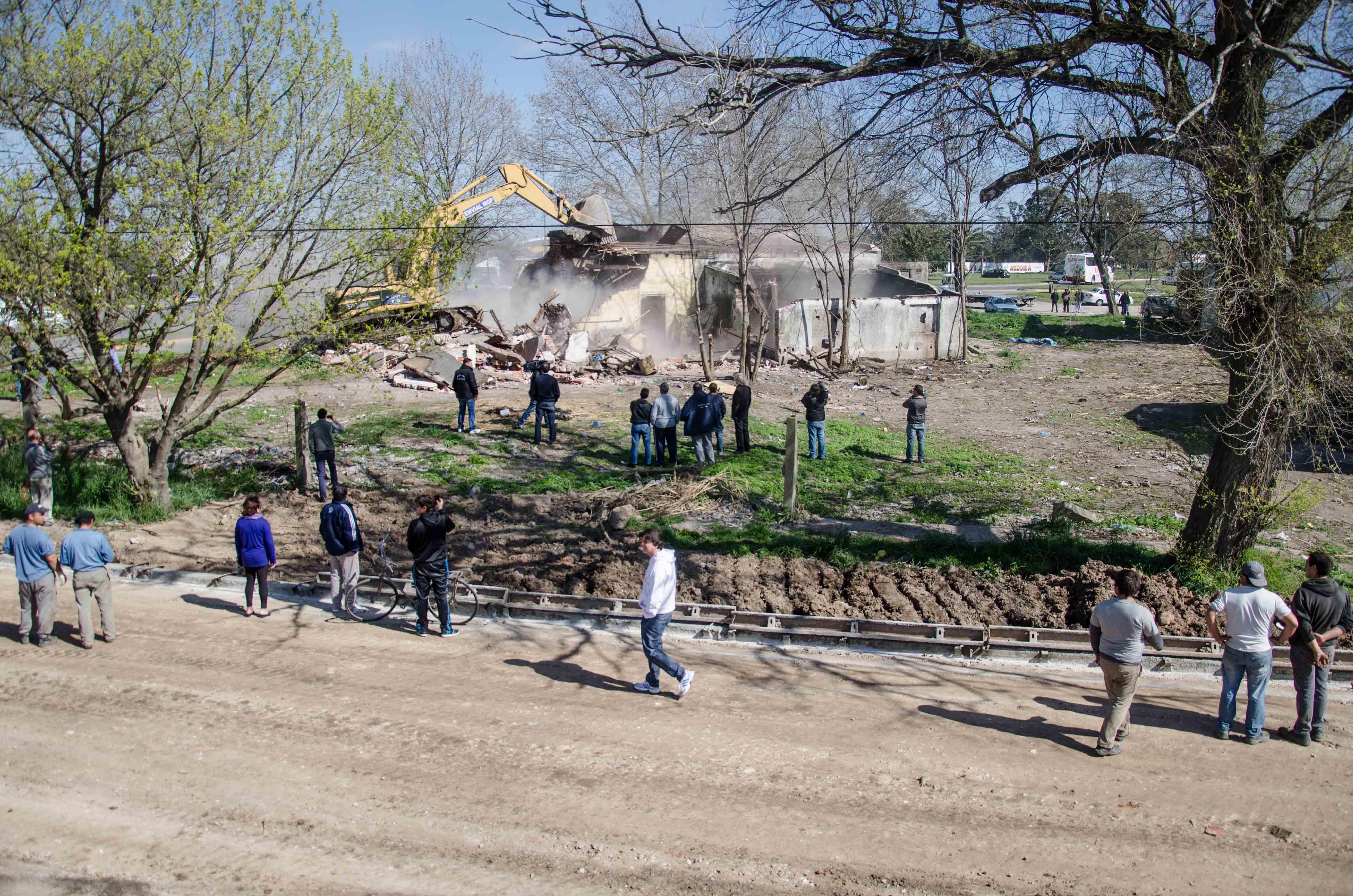 Prensa MGP - Control - Protección Ciudadana - Demolición - Los Pinares 2