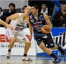 La americana en manos del goleador del juego, Leo Gutierréz (22)