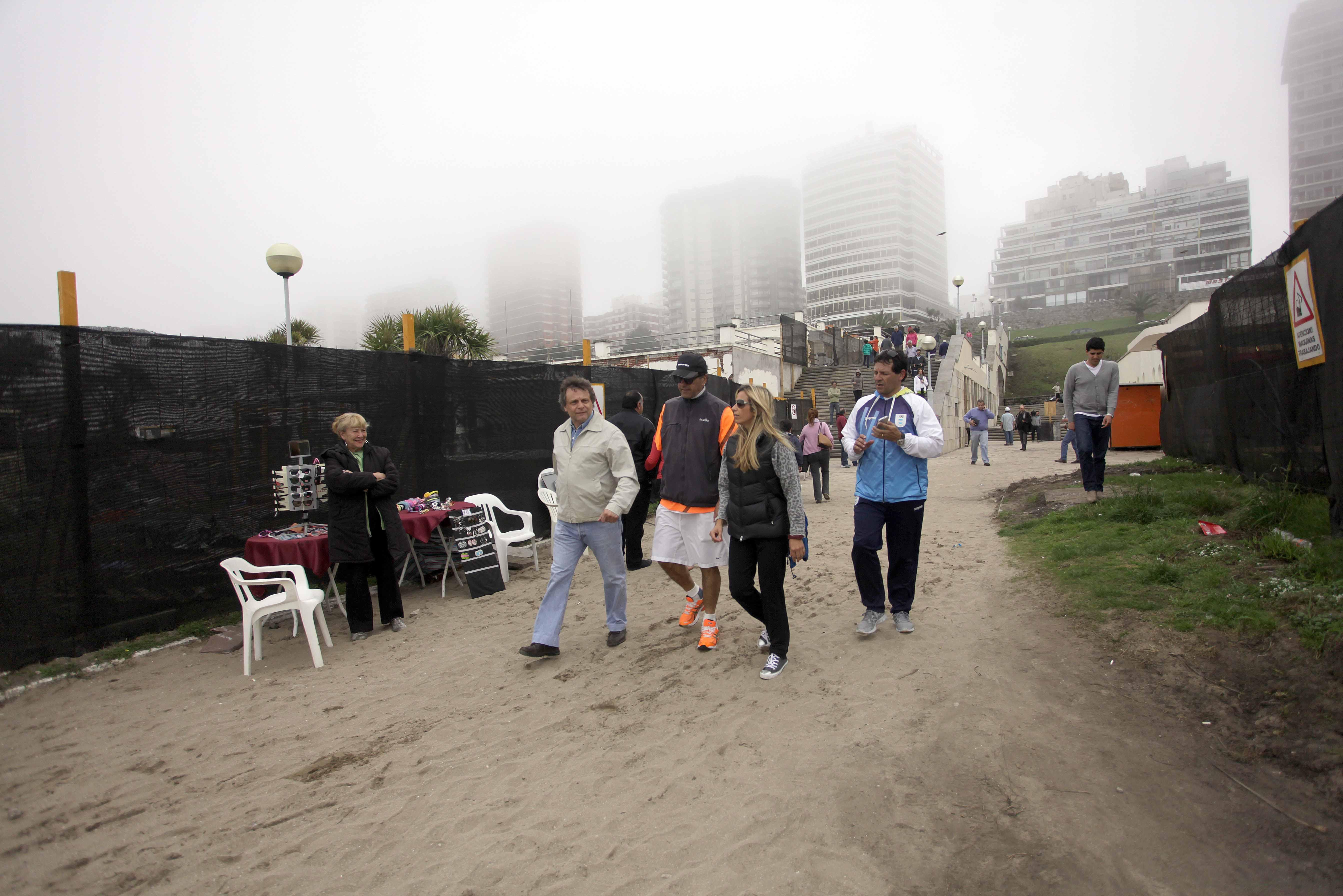 Foto MGP - Turismo - Recorrida obras de Playa Grande - Pulti - Scioli - Méndez