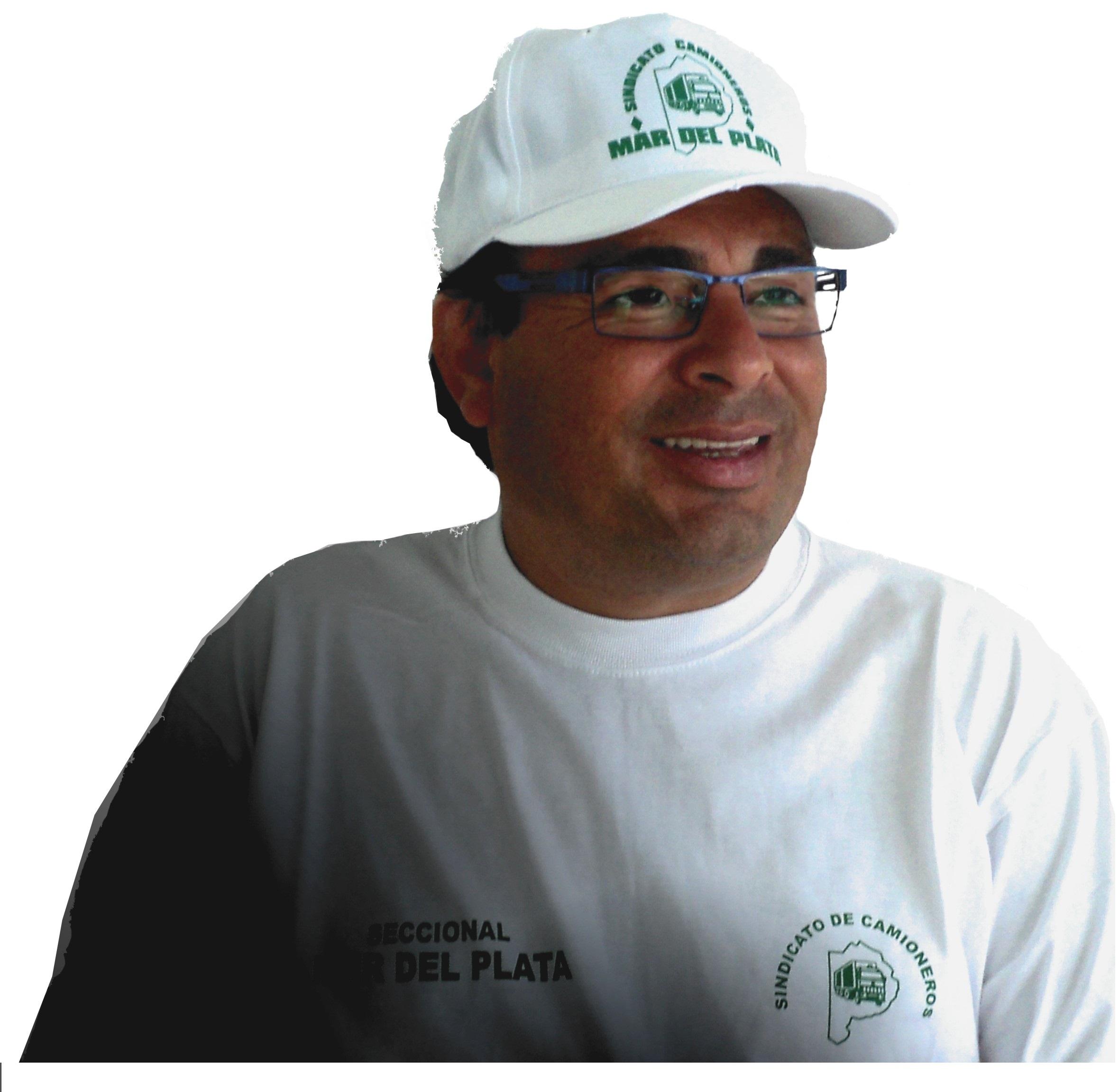 """Ramón """"Toto"""" Alderete no abandona la pelea contra la familia Moyano y el manejo discrecional del Sindicato de Camioneros. Habla de trabajadores desprotegidos y manejo irregulares de los fondos del gremio en beneficio personal de Moyano y sus parientes."""