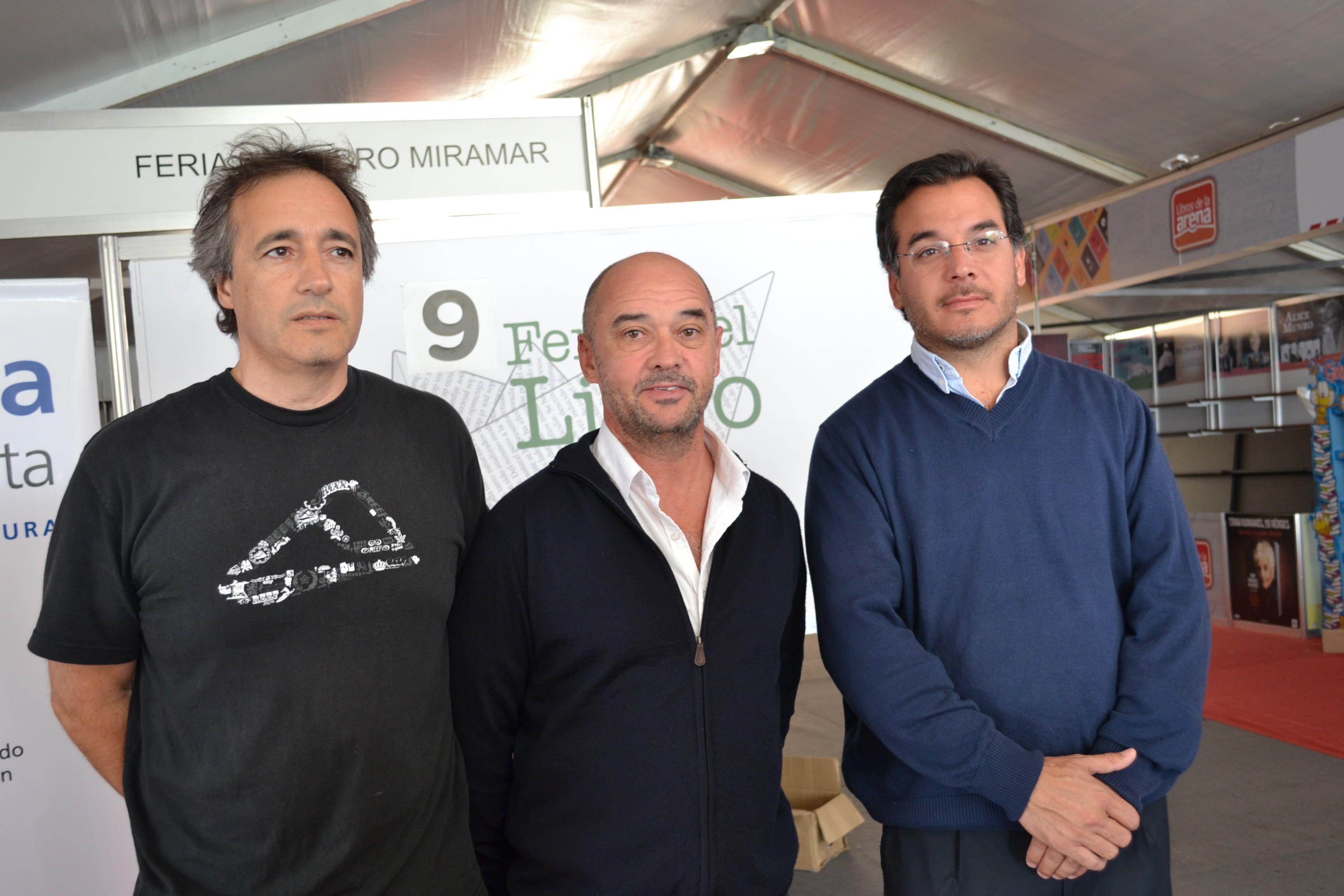 De derecha a izquierda, Tibeiro, Rodríguez y Laserna