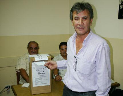 chucho-votando