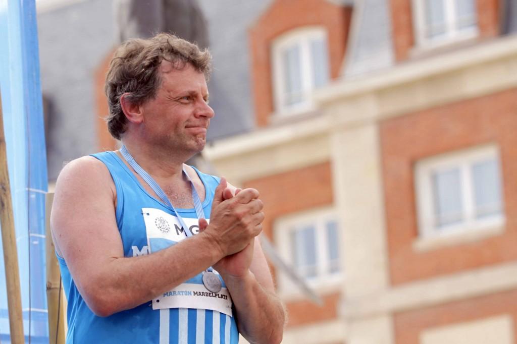 Foto MGP - Deporte - 24 maraton ciudad de Mar del Plata - Pulti tras la prueba de los 10k