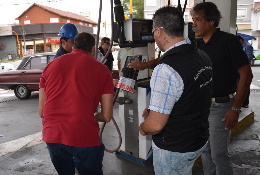 Fotos MGP - Control - Clausuran Estacion de Servicio sin habilitacion