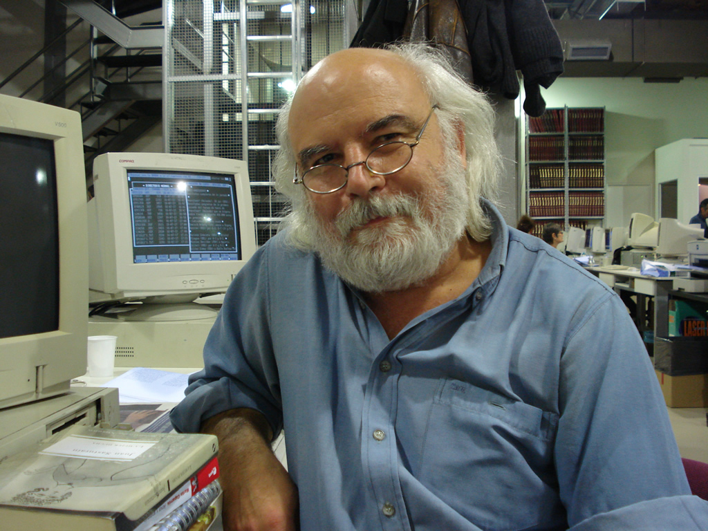 Juan Sasturain presenta su último libro, cuya historia transcurre en la ciudad