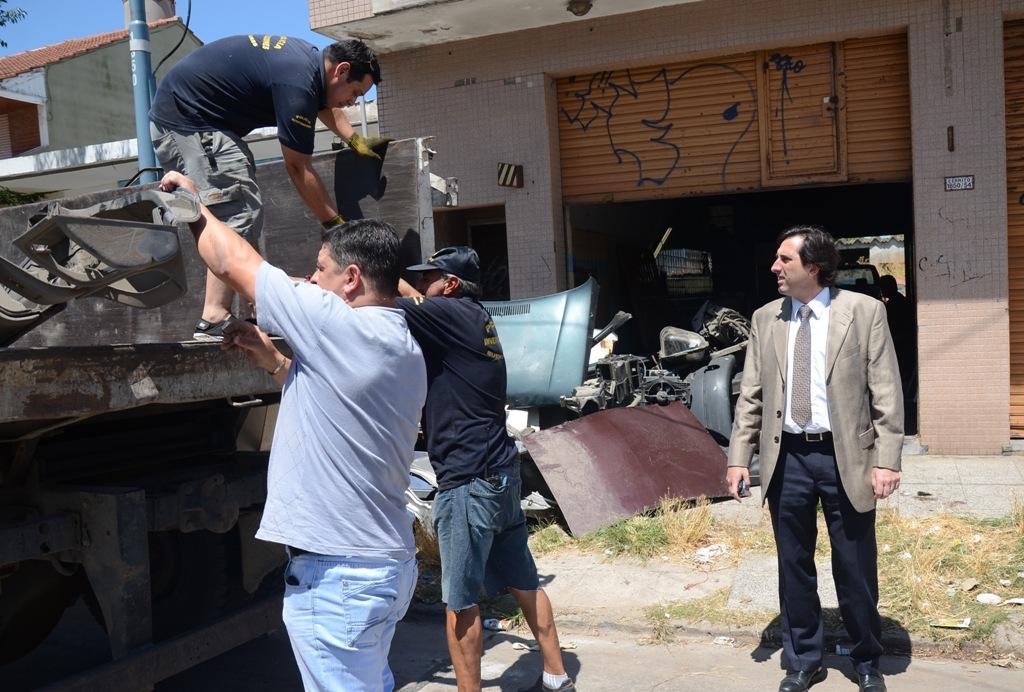 Fotos MGP - Seguridad - Intevienen en desarmadero ubicado en Cerrio al 1800 - 2