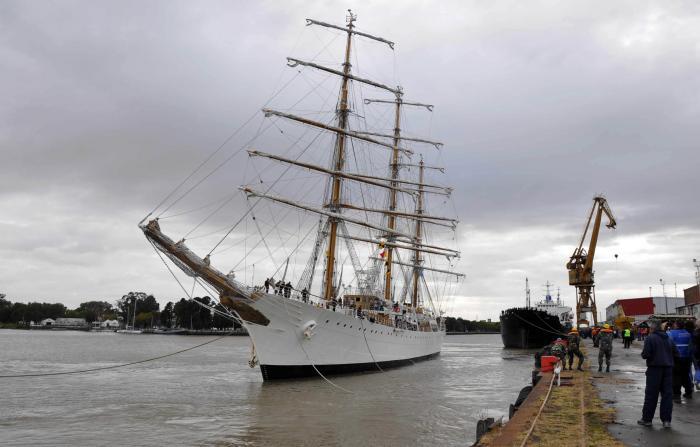 20140226-este-jueves-llega-la-fragata-libertad-a-mar-del-plata
