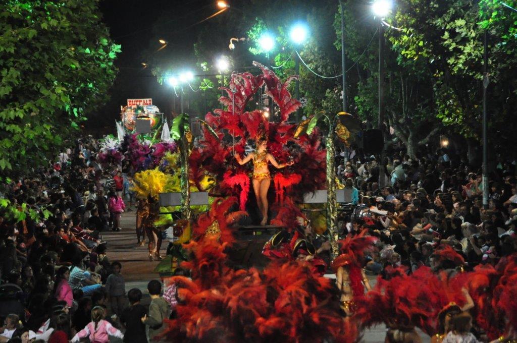 MAIPU BS.AS. - Carnaval de la Amistad - Foto archivo 2013