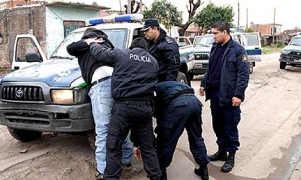 20130302133035_detenido