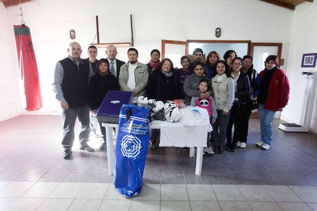 Fotos MGP - Deporte-Desarrollo Social - Entrega de material deportivo en el CIC Zona Norte