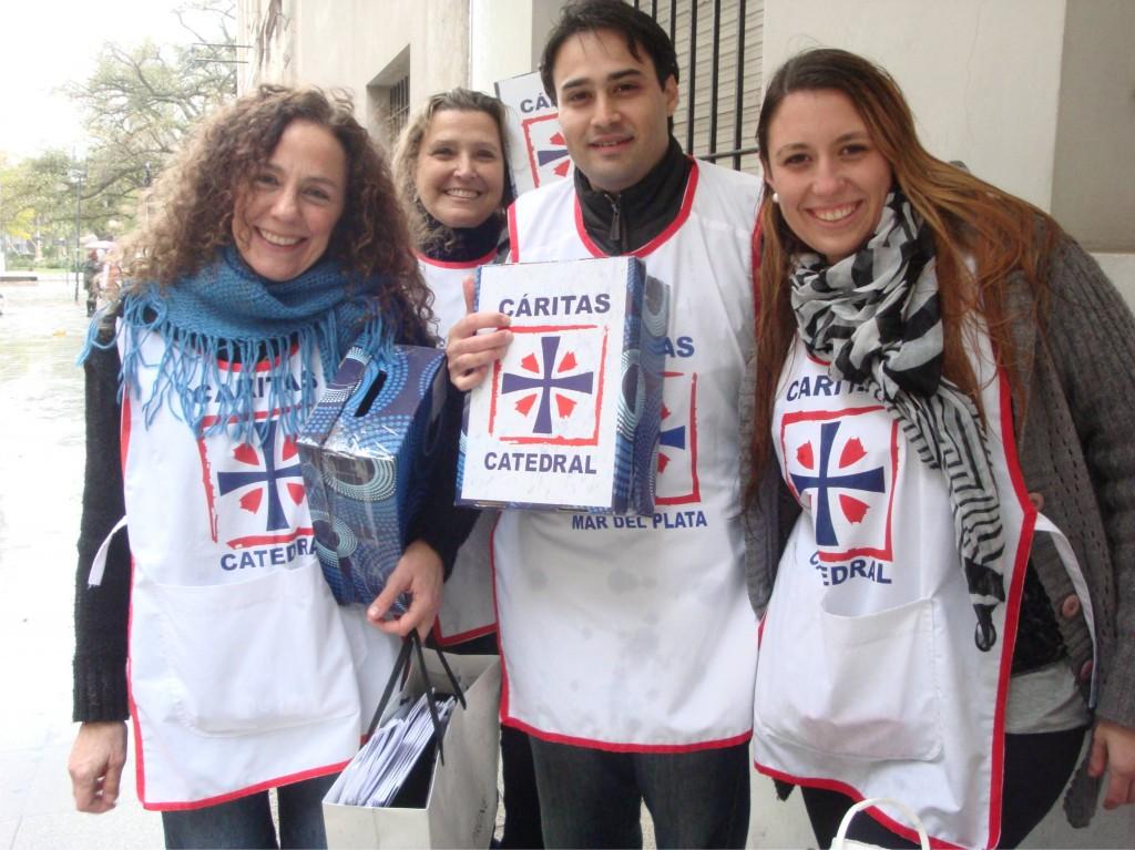 Colecta Anual 2014_voluntarios en la calle