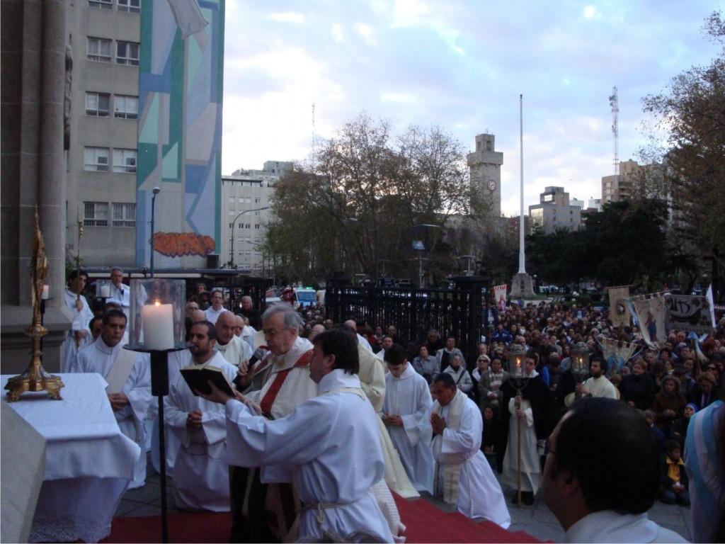 Corpus Christi_2013_bendición escalinatas