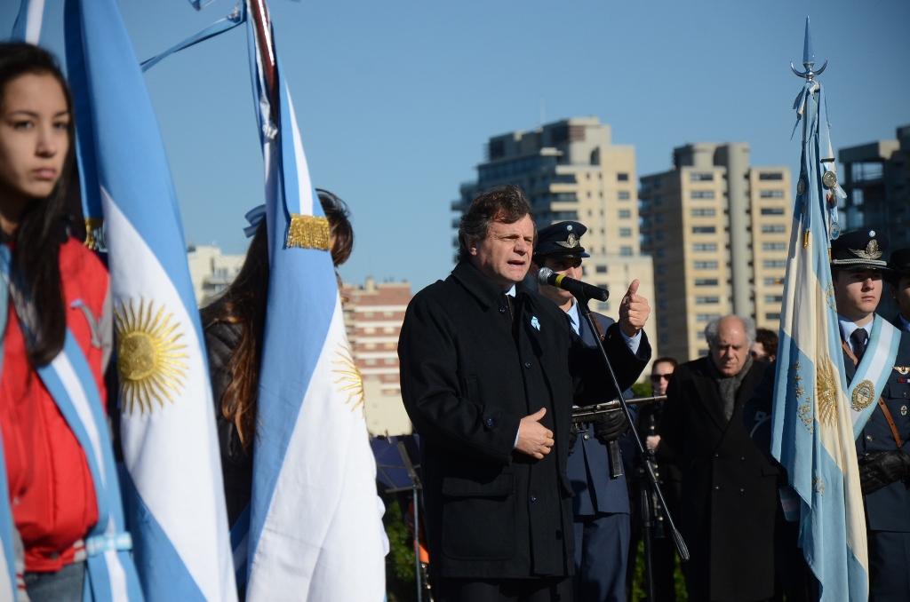 Foto MGP - Día de la Bandera - Pulti discurso