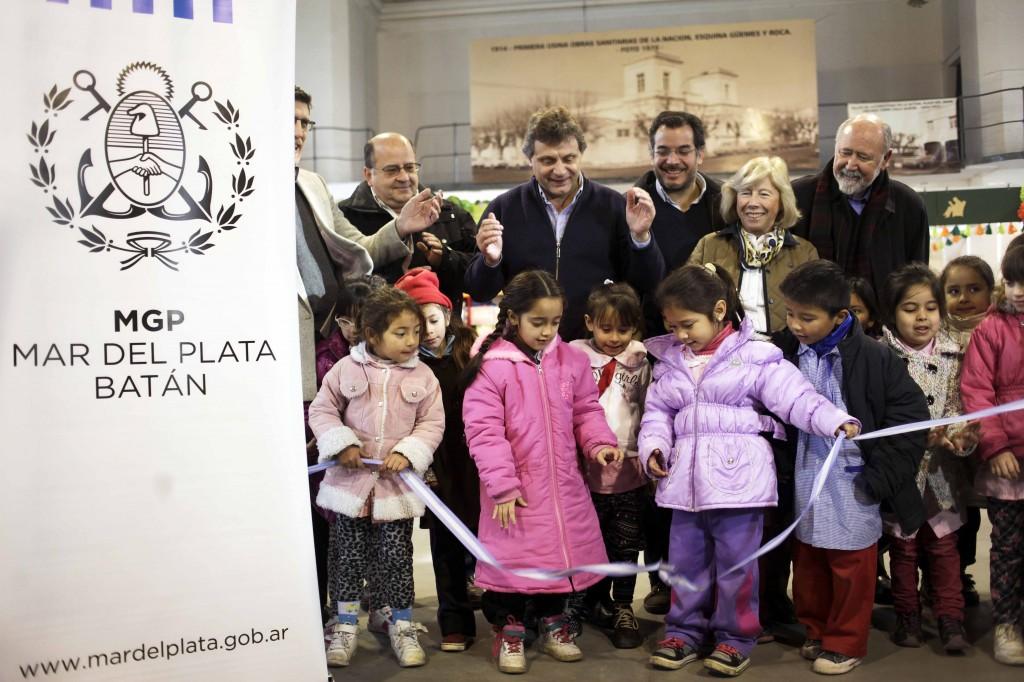 Foto MGP - Cultura - Feria del Libro Infantil 2014 - Corte de cinta inauguración