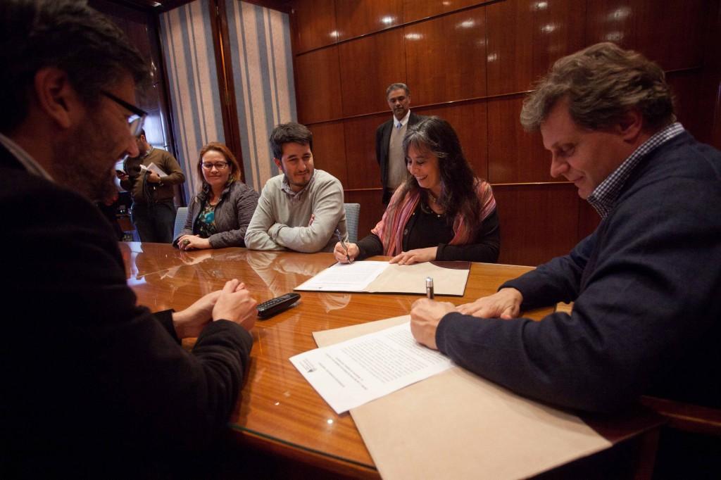 Foto MGP - DDHH - Firma de convenio con la Secretaría de DDHH de la Nación