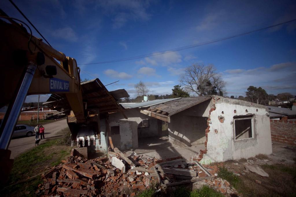 Fotos MGP - Seguridad - Demolicion vivienda abandadona en Santa Paula 1