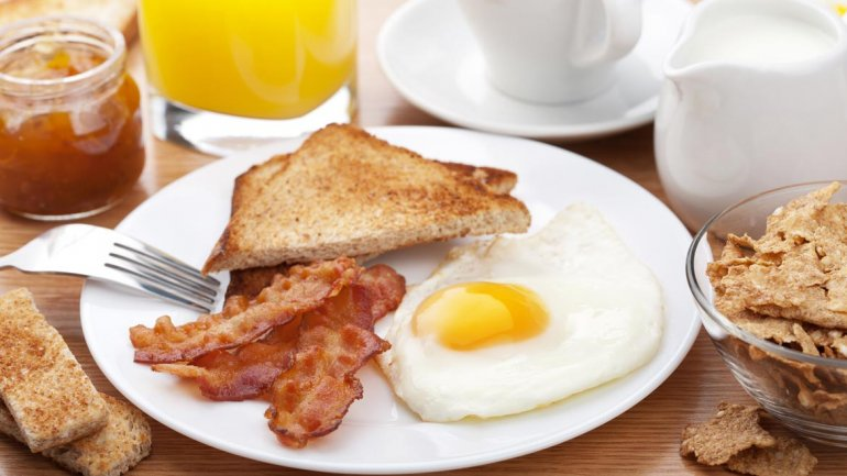 Proteínas en el desayuno, buen alimento para el cerebro