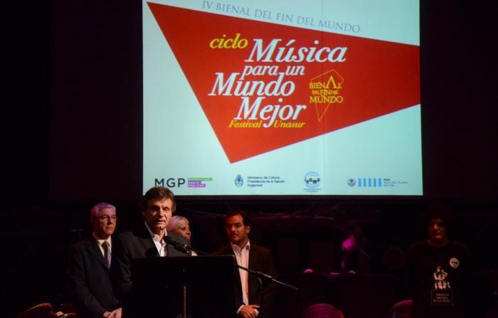 20141213-comenz-en-mar-del-plata-iv-bienal-del-fin-del-mundo