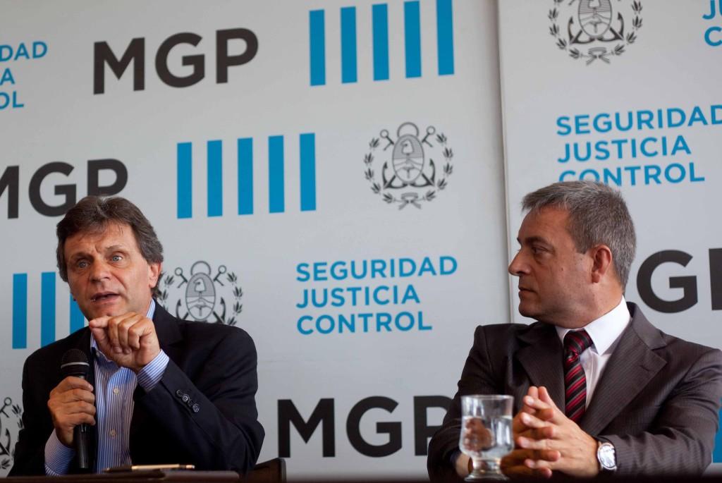 Fotos-MGP-Pulti-presento-a-Fernando-Telpuk-como-jefe-de-la-Policia-Local-1