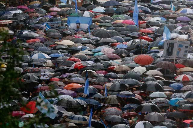 Marcha-silenciosa-en-Argentina-exige-justicia-en-caso-Nisman-4