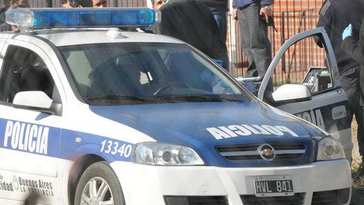 Unidad-policias-forcejearon-subirlo-movil_ZONIMA20111206_0040_12