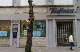 Estafa a numerosos abonados: la Patria telefónica, gasista, eléctrica y banco-financiera
