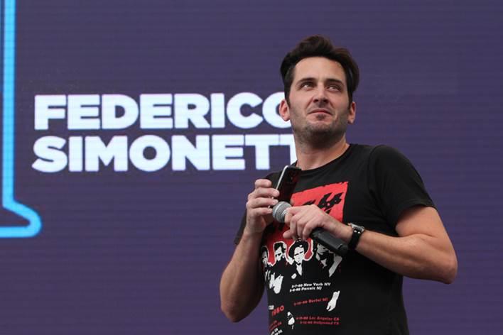 Federico Simonetti festeja sus diez años de stand up en el Radio City