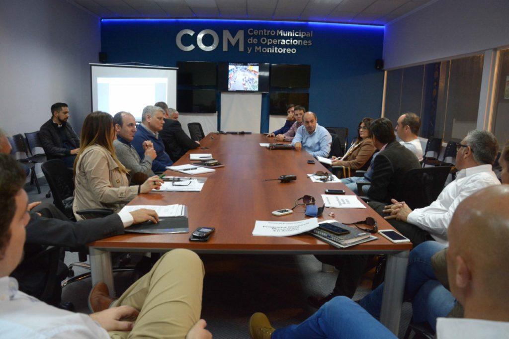 thumbnail_foto-mgp-funcionarios-se-reunieron-en-el-com