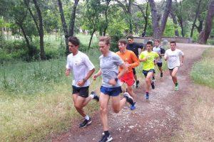 Iván Anzaldo compite con los mejores triatletas juniors de Europa