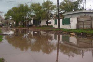 Volvió a llover: indignación de vecinos por anegamiento de barrios