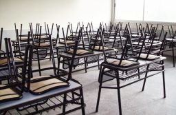 El gobierno podría extender las clases en diciembre por los paros docentes