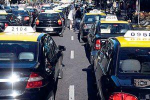 Taxistas se manifestarán para evitar otorgamiento de licencias a remises truchos
