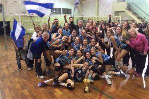 El equipo femenino  sub17 de vóley de Unión se consagró campeón