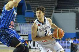 Peñarol en caída libre: cayó con Bahía Basket en el Polideportivo