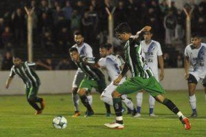 Alvarado no pudo aguantar la ventaja y perdió en Bahía Blanca