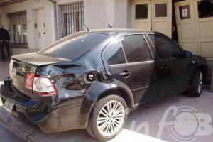 Joven conductor atropelló a motociclista y a un camionero en el barrio San José