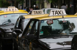 Desde este viernes aumenta el 22%  la tarifa de taxis