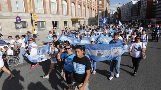 Familiares de los tripulantes del ARA San Juan en Mar del Plata. Foto: LA NACION / Mauro V. Rizzi