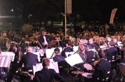 """Con un gran show musical el municipio presentó todas las propuestas de """"Tandil en verano"""""""