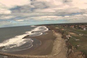"""Guardavidas hablan de derrumbes """"frecuentes"""" y """"peligro"""" en toda la costa"""