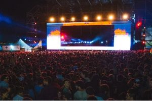 Solomun hipnotizó a más de 9000 personas frente al mar
