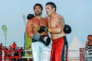 """Luciano Castro y """"Maravilla"""" Martínez boxearon en la playa a beneficio"""