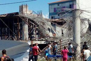 Ascienden a seis los muertos tras un derrumbe en Santa Teresita