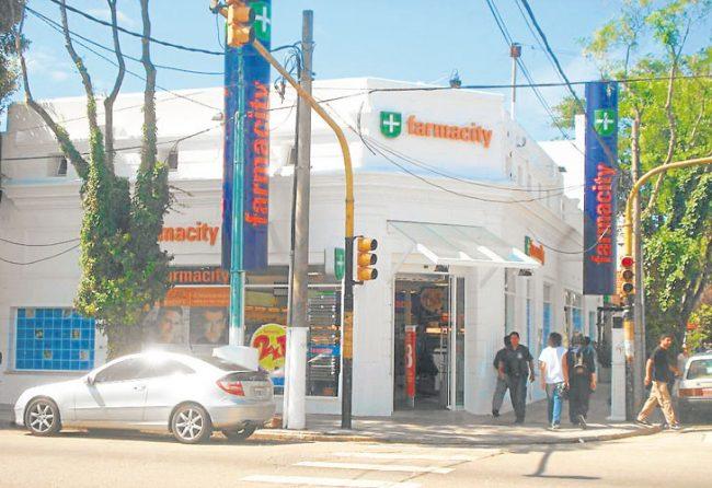 LOCAL. Sergio Bao Sueiro tenía una farmacia y la convirtió en sucursal de la conocida firma. Foto: CEDOC PERFIL