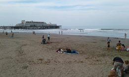 Clima de verano que permitió día de playa y baños en el mar
